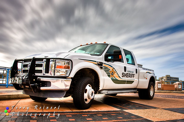 Sheriff Suv Truck With Lights On Driving Stock Photo - Image: 41047835
