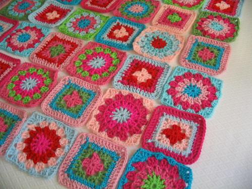 Manta de crochet de cuadrados chicos manta tejida a - Mantas de crochet a cuadros ...