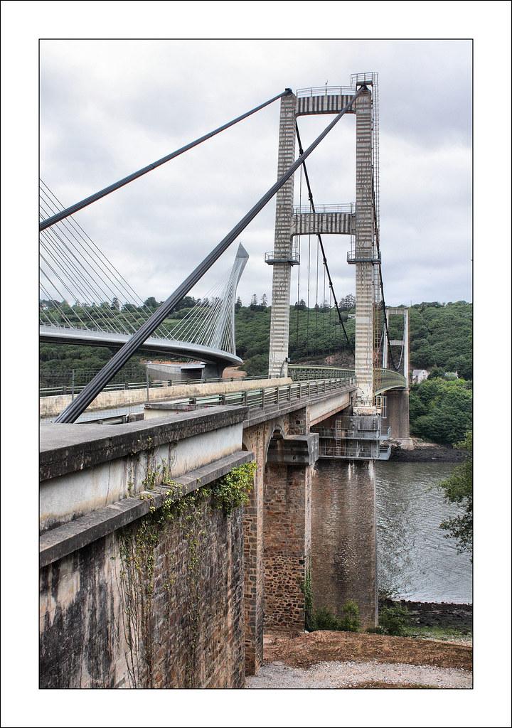 Ponts de t r nez au premier plan l 39 ancien pont qui sera d flickr - Premier pont a haubans ...
