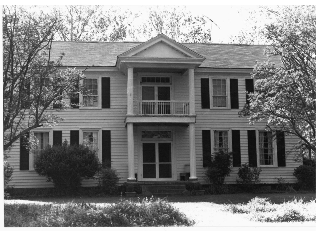 Meadow woods plantation house otibbeha county ms listed for Meadow house