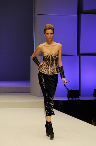 Accademia italiana fashion show 2009 foto claudio for Accademia moda milano