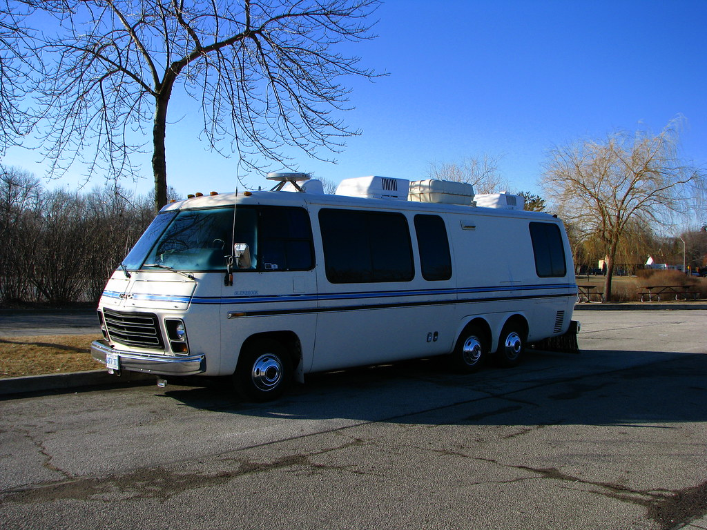 Gmc Camper >> Gmc Camper Ultimatemoneyblog Com Why Its Frugal To Live In Flickr