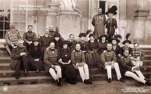 Kaiser Wilhelm Ii Im Kreise Seiner Familie German Imperi