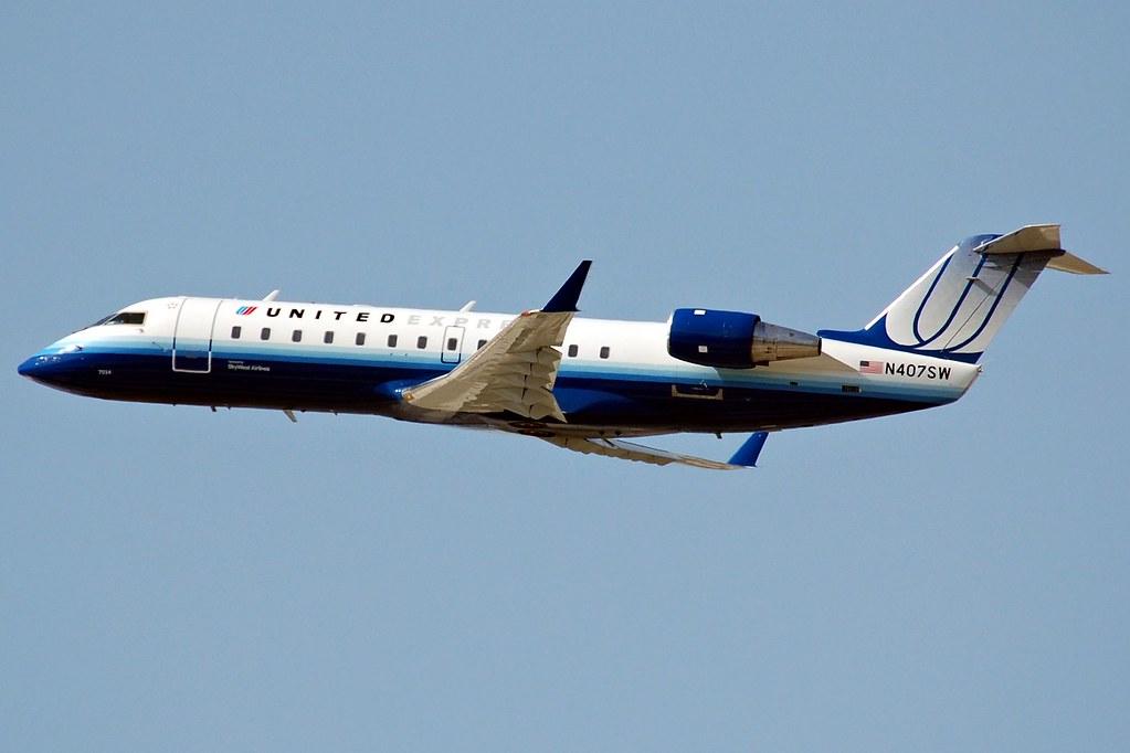 skywest airlines n407sw canadian torture tube awaaaaay