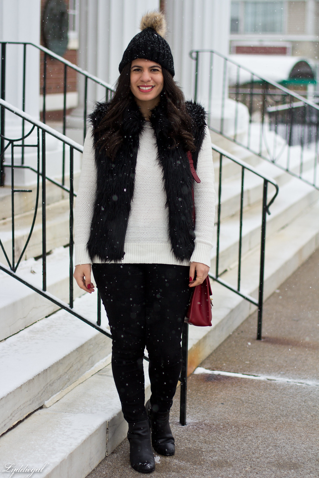 black fur vest, white sweater, red coach willis bag, snow outfit-9.jpg