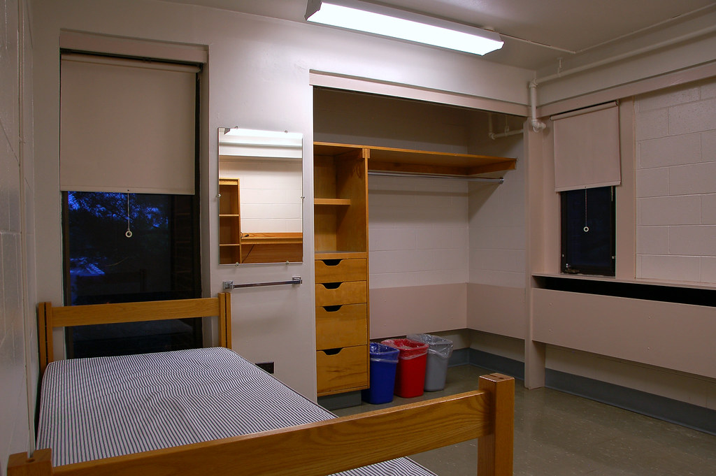 Umass Amherst Z Room Ideas