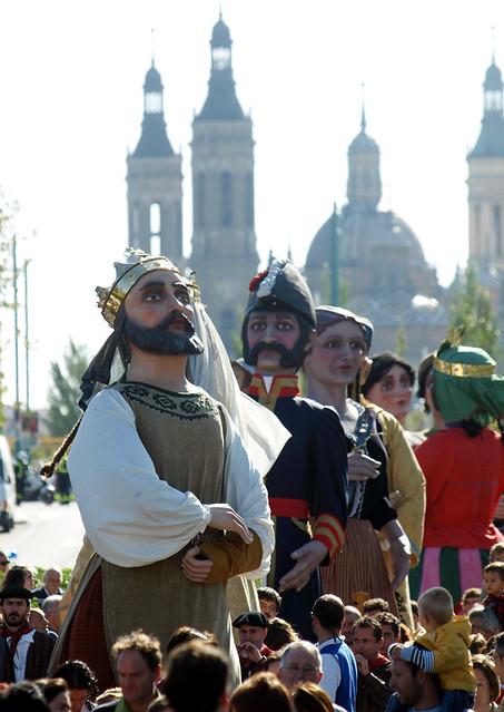 Comparsa De Gigantes Y Cabezudos De Zaragoza Fiestas Del Flickr
