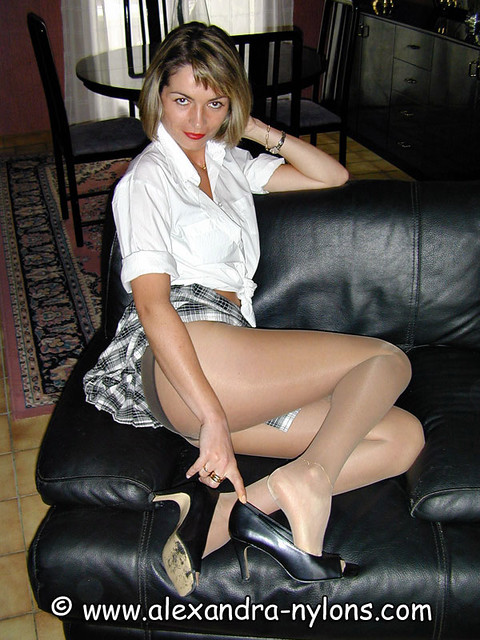 Lady in nylons com