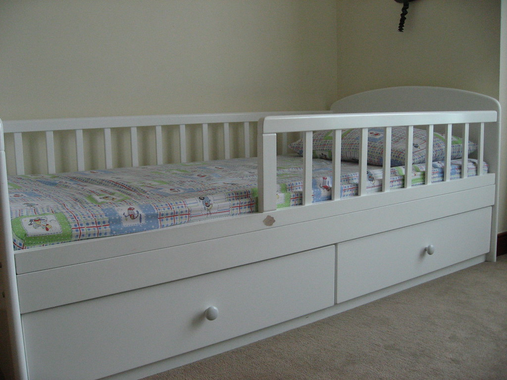 Kitso Toddler Bed With Drawers