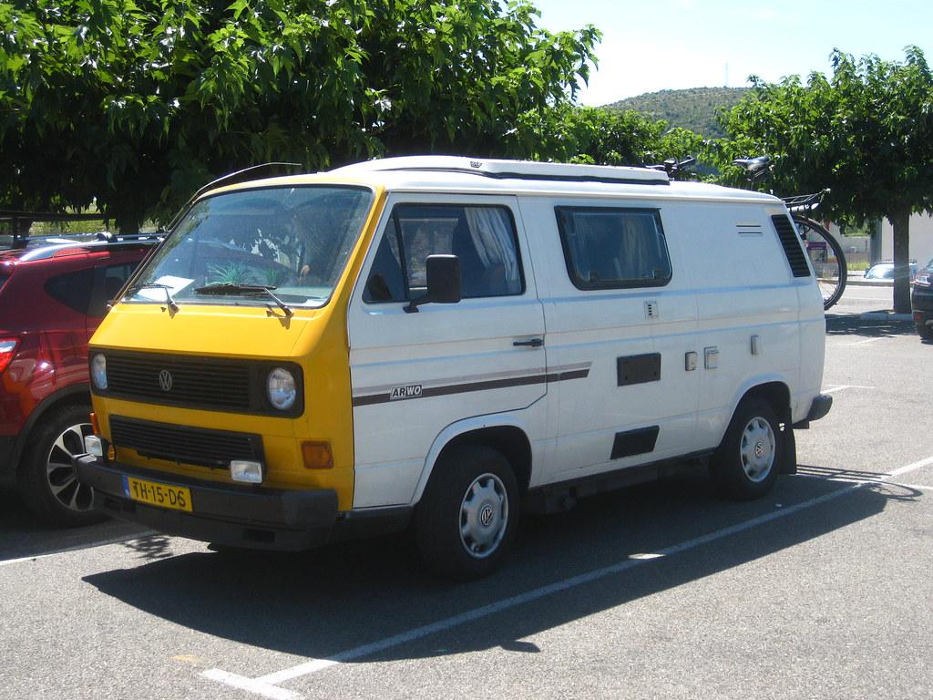 ClassicsOnTheStreet 1983 VOLKSWAGEN Transporter 251041 D T3 ARWO Camper Van