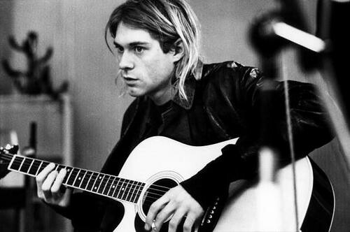 what kind of guitar did kurt cobain play