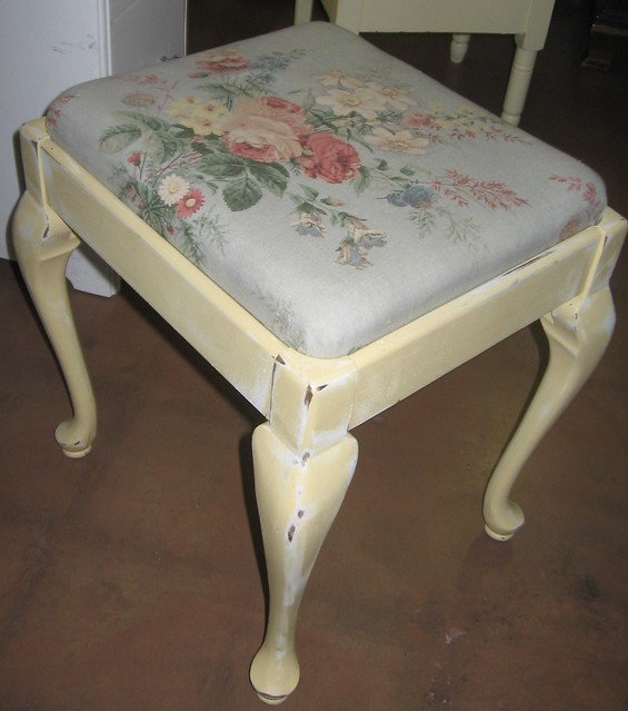 sold shabby chic stool see our ads on craigslist. Black Bedroom Furniture Sets. Home Design Ideas