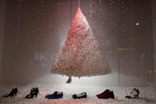 Vitrines de no l le bon march rive gauche paris d cembre 2009 flickr photo sharing - Vitrine de noel paris ...