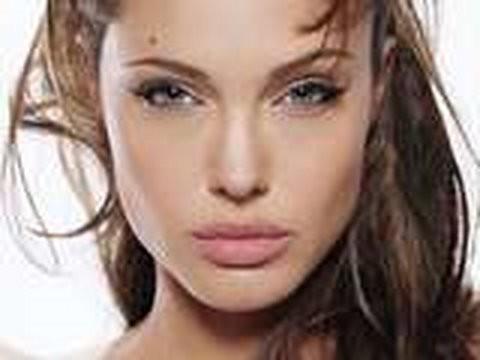 eyes Angelina jolie