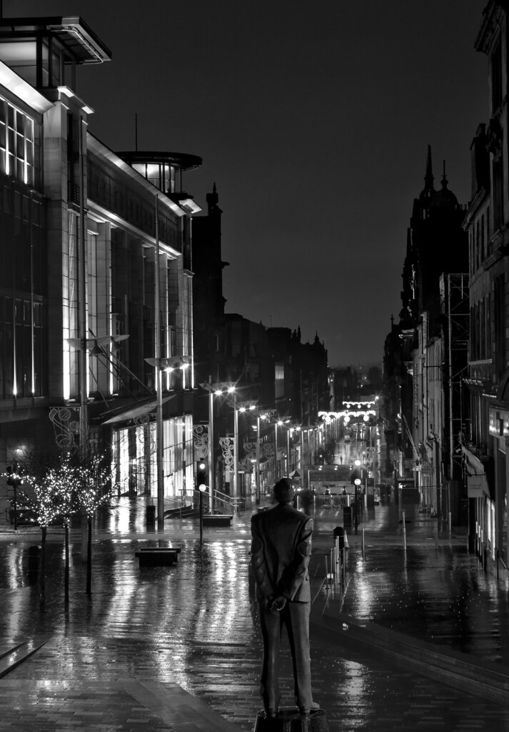 buchannan street, glasgow city centre, night view, black a ...