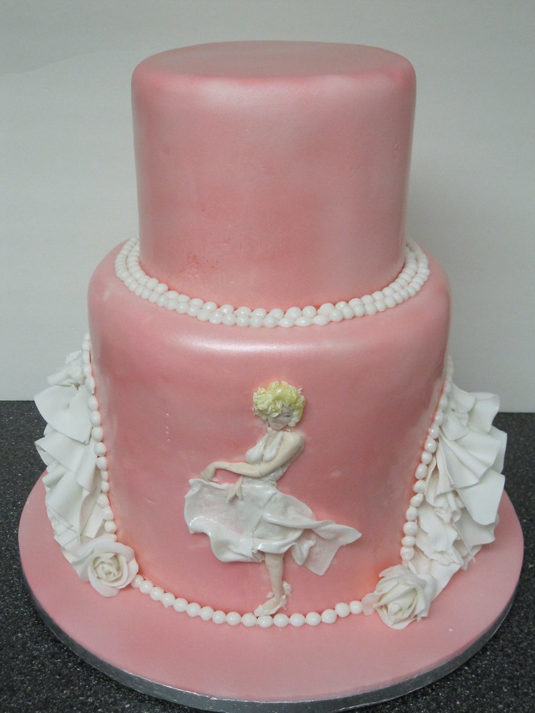 marilyn monroe cake pearls and ruffles marilyn inspired cake for a 5710