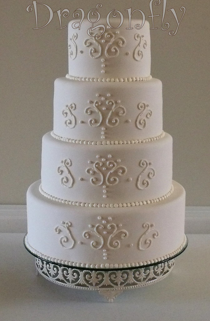 Wedding Cakes With Roushing
