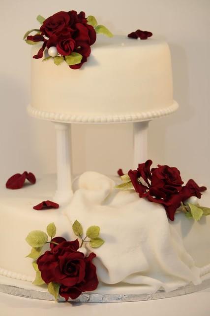 Klassisch Edle Hochzeitstorte Mit Roten Rosen Und Saulen Flickr