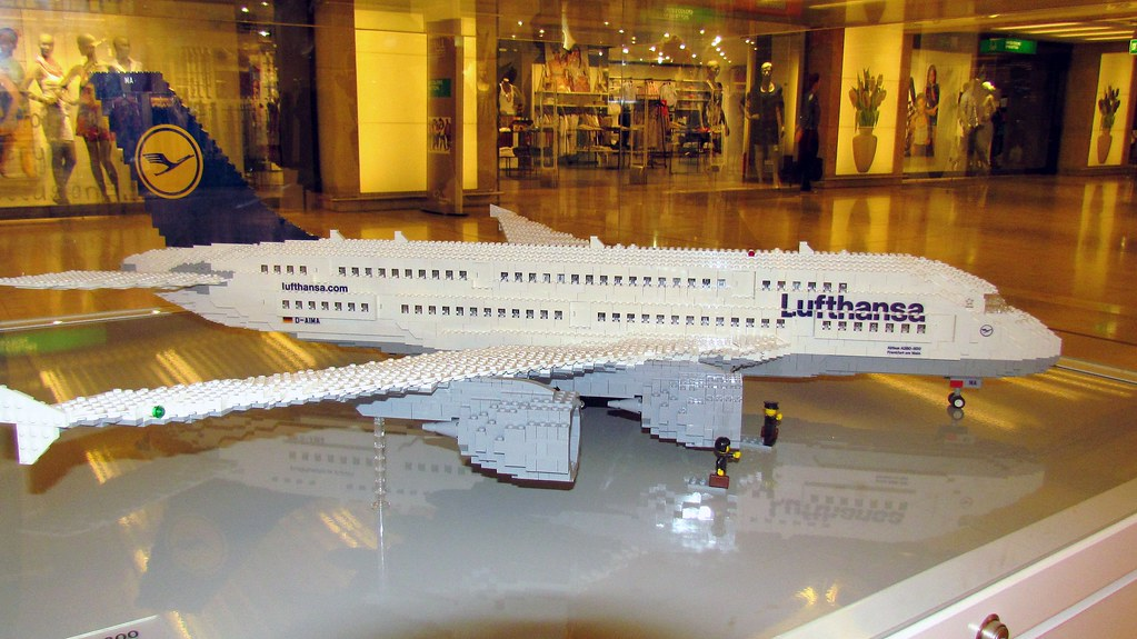 Airbus A380 Microjet | LEGO | Pinterest | Airbus a380 and Lego moc