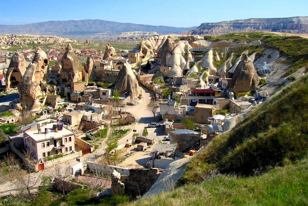 Capadokia Turkey Crazy Place In Mid Turkey Beautiful Lit Flickr