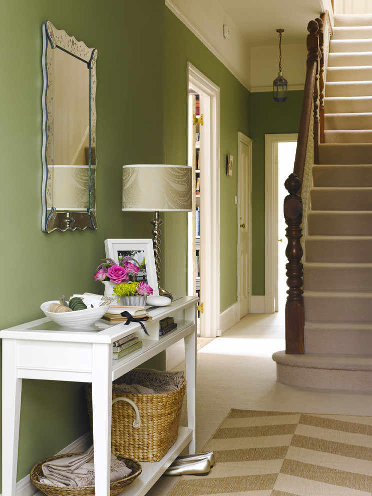 Hallway green we 39 re very happy for you to use our images for Foyer paint color decorating ideas