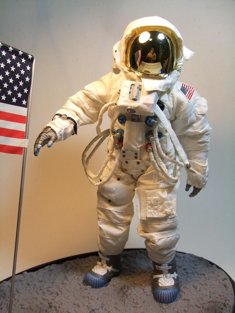 astronaut action figures of 1970 - photo #23