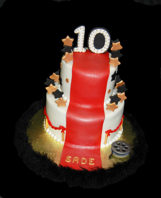 Red Carpet Cake Images : Black Red and Gold Hollywood Red Carpet themed 10th ...