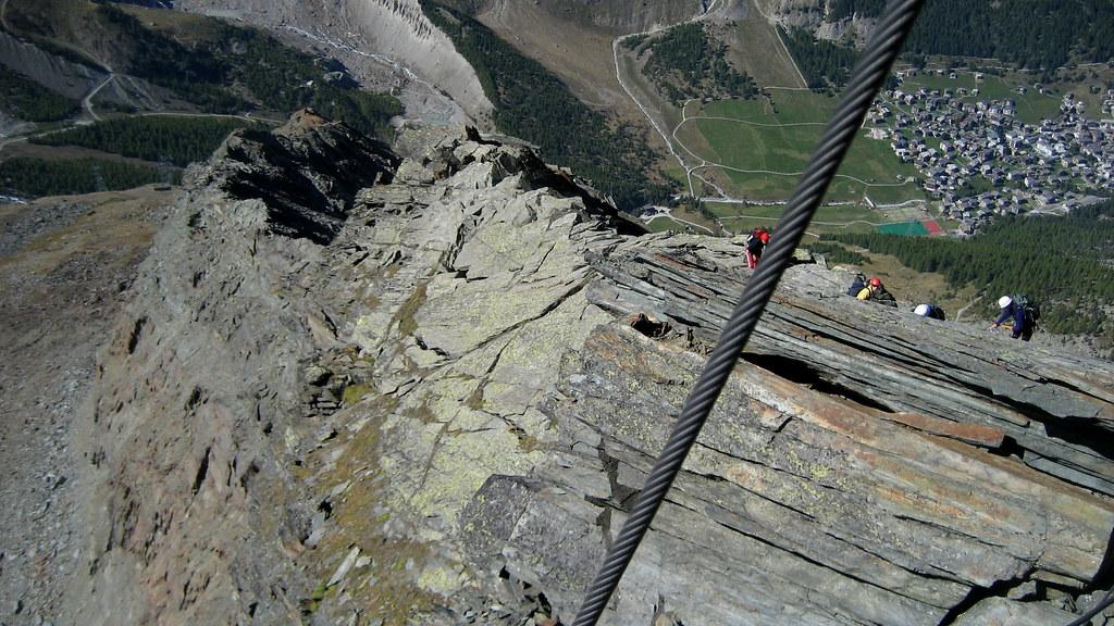 Klettersteig Wallis : Unterwegs im klettersteig mittaghorn kanton wallis vau2026 flickr