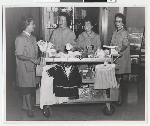 Mt. Sinai Hospital Auxiliary Workers | by Jewish Historical Society of the Upper Midwest