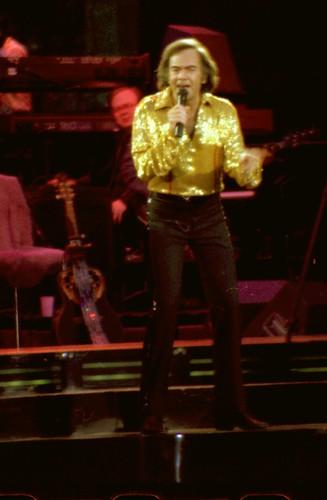 Neil Diamond Live Des Moines Iowa Th Anniversary Tour