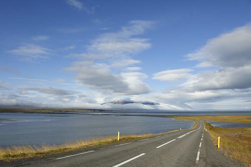 driving_the_ring_road_in_iceland_north_iceland_Sauðárkróksbraut