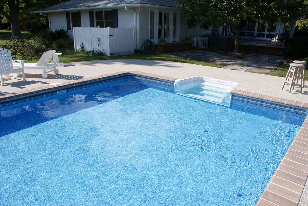 Rectangle Vinyl Pool With Paver Coping Elite Pools Flickr