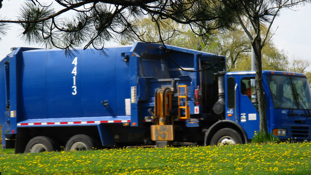 Blue Garbage Truck Location Madison Wi Usa