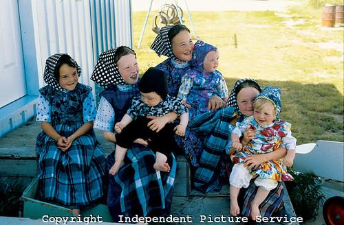 vh000018   hutterite children near moose jaw saskatchewan flickr