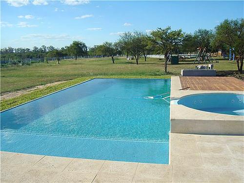 piscina de 40 metros con borde infinito otra vista de la