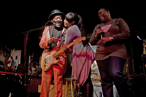 Singer and guitarist Buddy Guy with his daughters Carlise (in black) and Rashawnna (in gray) at Buddy Guy's Legends on January 30, 2010 in Chicago, Illinois. | by BuddyGuysLegends