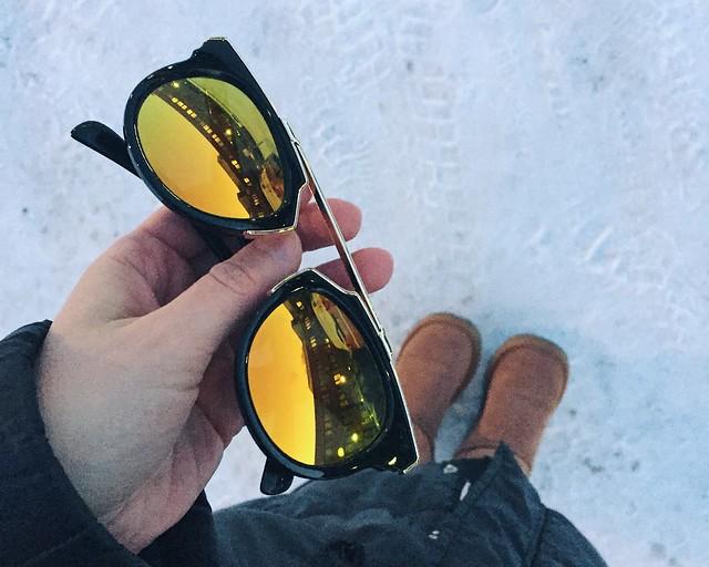 MirrorSunglassesOrange, peili aurinkolasit, mirror lens, sunglasses, oranssi, keltainen, orange, yellow, winter, talvi, lumi, snow,