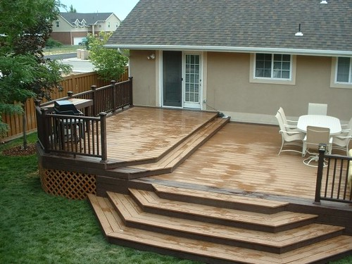 Trex Woodland Brown And Saddle Deck With Designer Railing