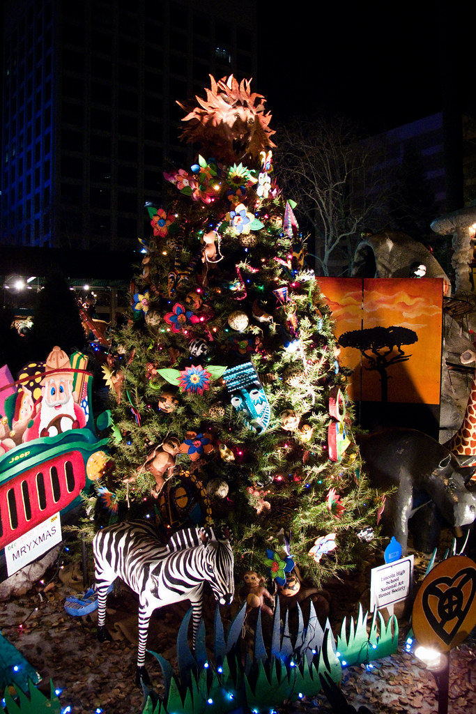 Christmas in the Park | This awesome safari Christmas tree ...