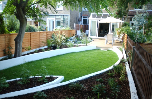 The Terrace House Garden By Earth Designs. Www.earthdesigns.co.uk.