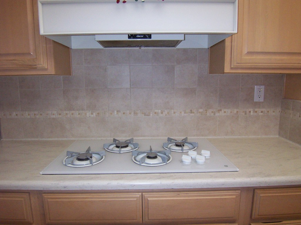 Tile Kitchen Backsplash Photos Corian Kitchen Counter In Clam Shell Demi Bullnose Edge