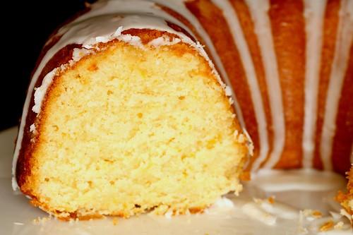 Lemon Bundt Cake With Mandarin Oraganges