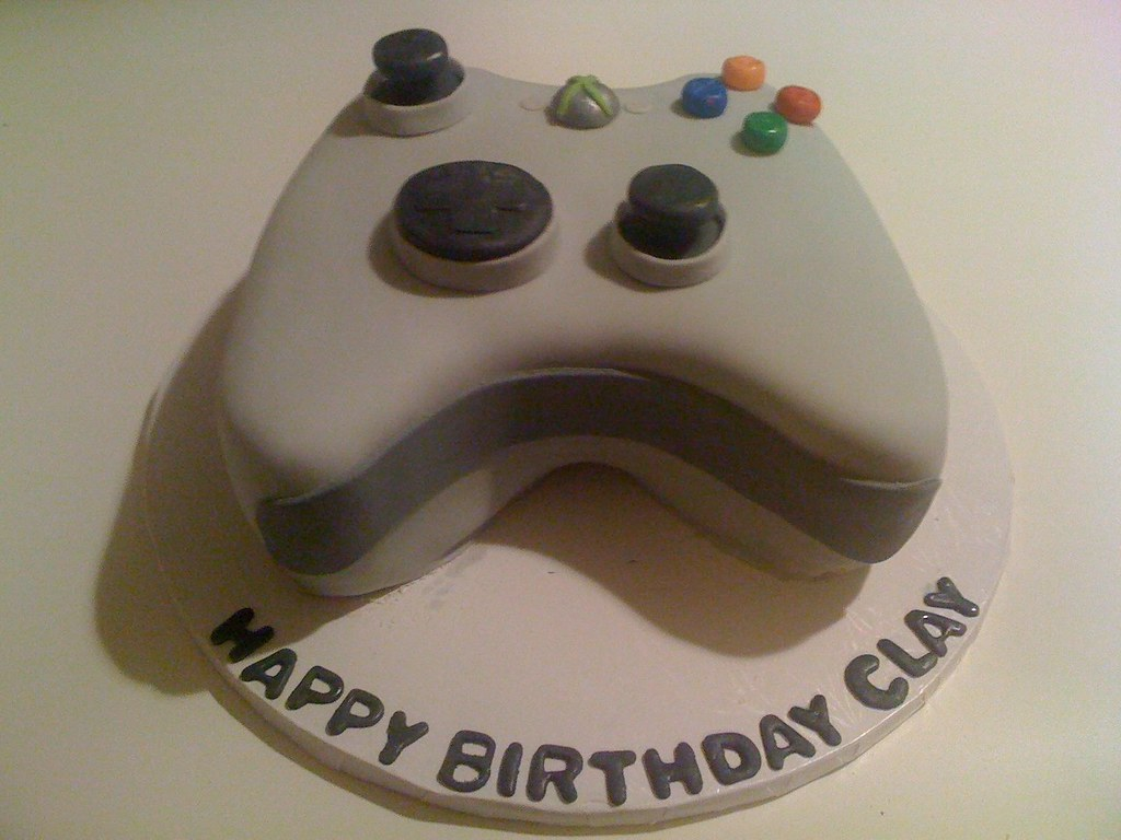 Xbox controller cake Birthday cake for 15 year old boy Gracie N