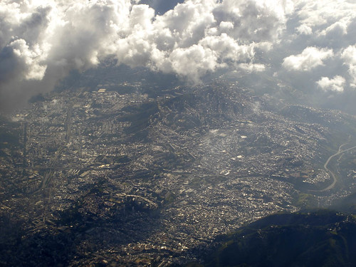 how big is Caracas | by micmol 
