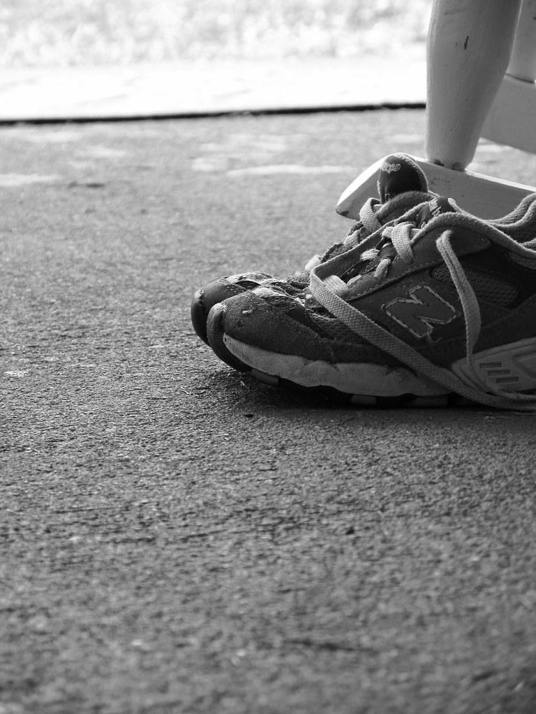 walking in daniels shoes