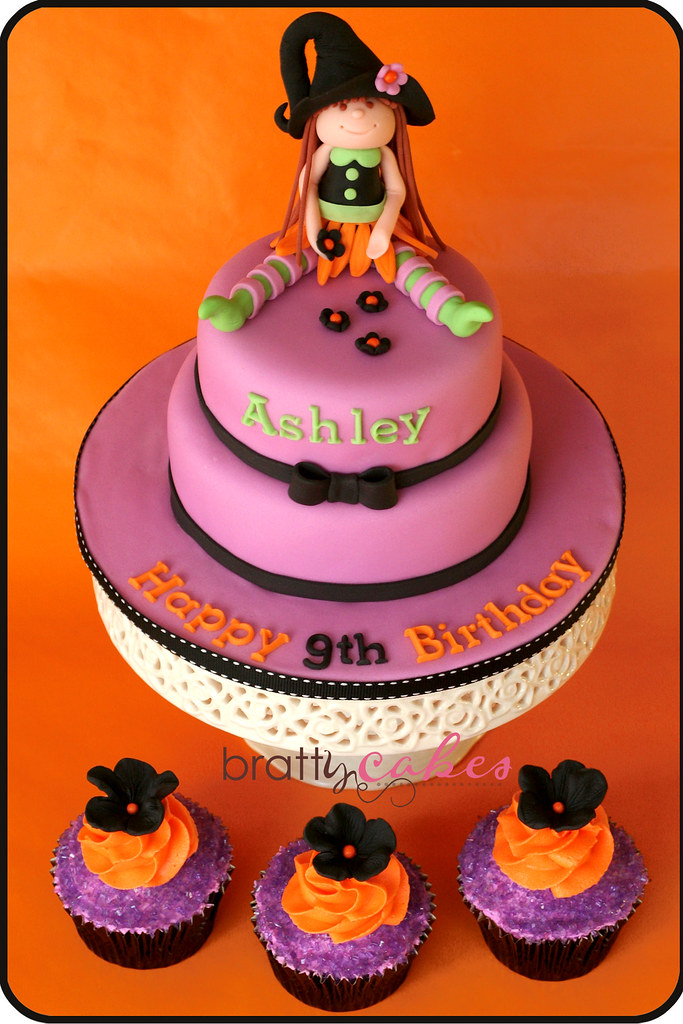 Halloween BDay Cake Cupcakes This cake and cupcake set Flickr