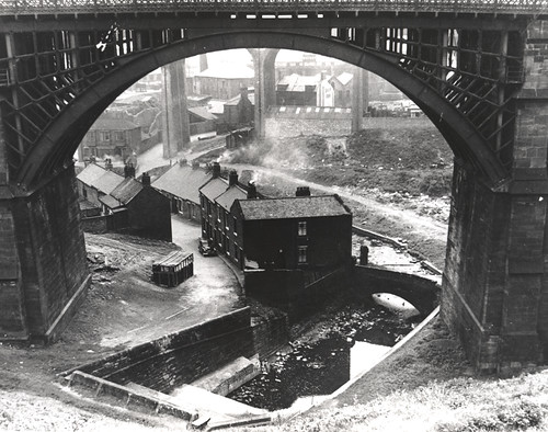 054107 Ouseburn Viaduct Newcastle Upon Tyne Unknown 1960