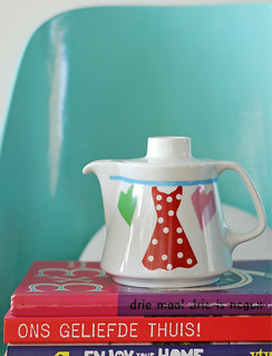 Red polkadot dress teapot | by Ninainvorm