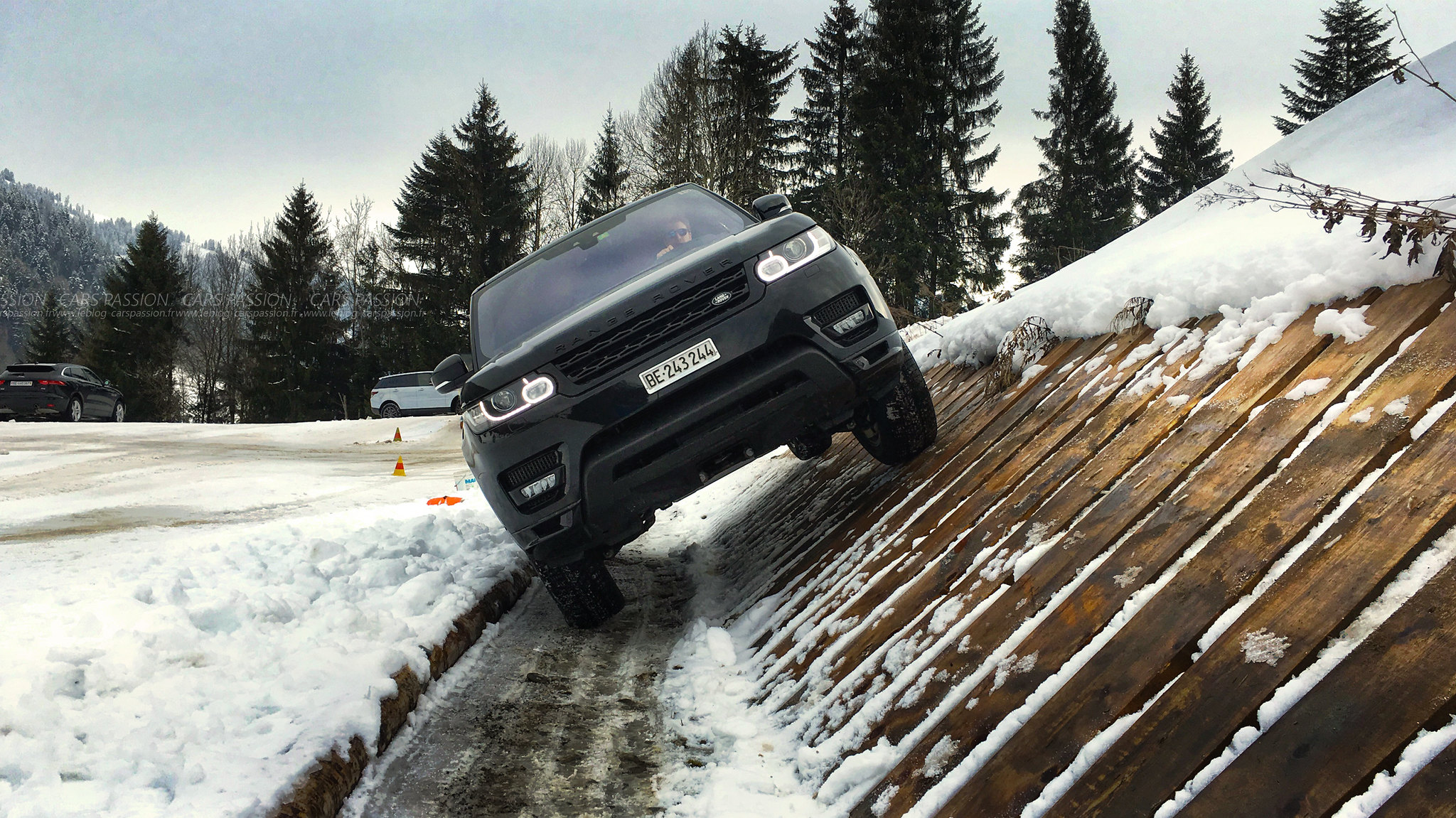 land-rover-ice-drivng-esperience-gstaad-(34)
