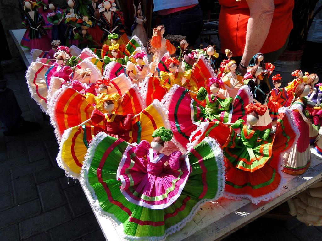 Traje Tipico De Jalisco Mexico
